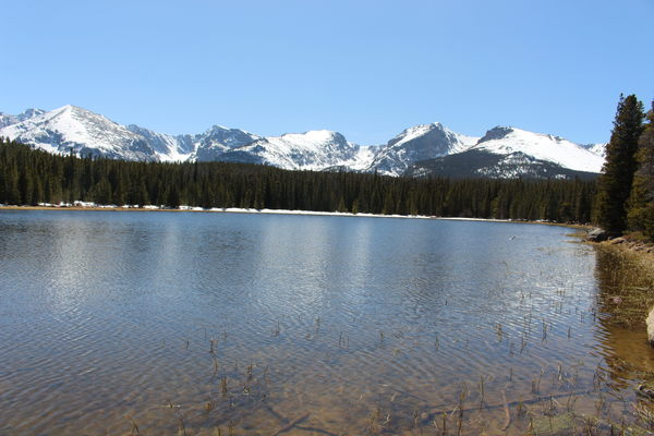 2018-08-27 Bierstadt Lake with mountains